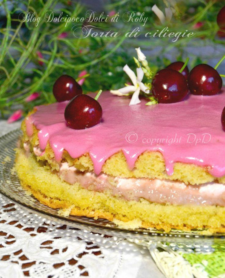 Torta di ciliegie alla crema pasticcera a base di ciliegie caramellate. Guarnita con glassa di zucchero  rosa con sciroppo di amarena !! Si tratta di una torta morbidissima, super cremosa e non troppo impegnativa!!   QUI la Ricetta nel BlogGZ  Dolcipocodolci   http://blog.giallozafferano.it/dolcipocodolci/torta-ciliegie/