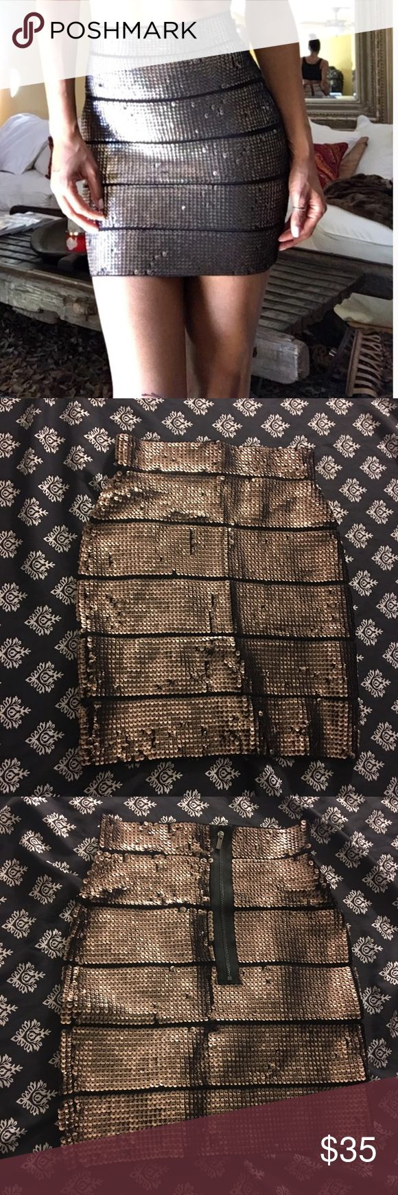 Gold and black Sequin skirt Body contouring skirt .... IM MOVING I NEED TO GET RID OF ALOT OF MY CLOTHES!!! ITS PRICED SO LOW SO I CAN SELL THEM QUICKLY!!! BCBG Skirts