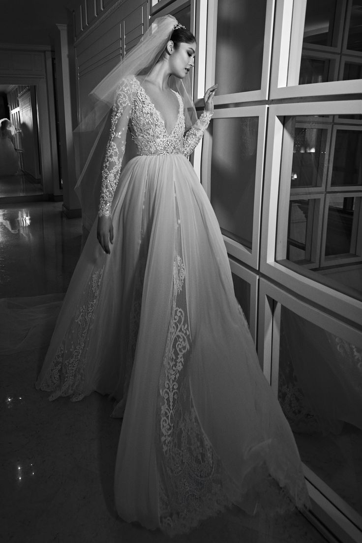 Zuhair Murad Bridal Fall 2017 Fashion Show Collection