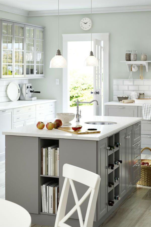 Stylish storage! By combining glass doors, open shelves and as many visible drawers, you can create a kitchen that not only effortlessly swallows all your stuff, but also really expresses your personal style.