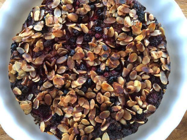 Nem kérdés, hogy a mákos sütemények viszik a prímet az őszi-téli szezonban. Most egy isteni diétás változatot mutatunk! Elkészíteni nagyon egyszerű és páratlanul finom! Ez király! A mák és a citrom együtt varázslatosan finom, ha pedig méggyümölcsökkel is bolondítod,…