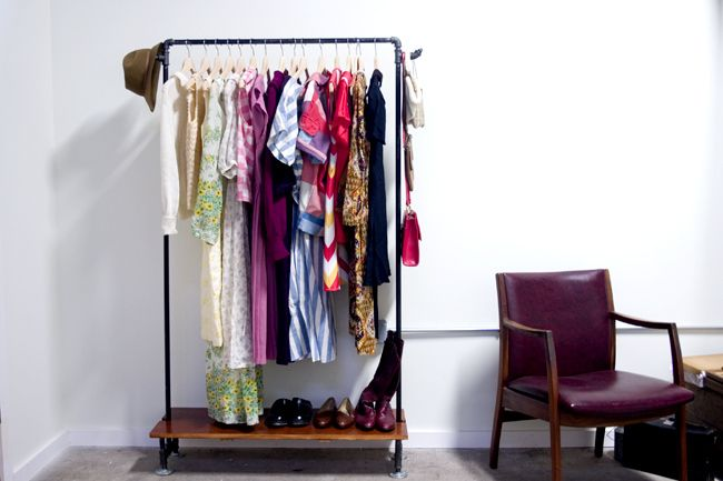 diy pipe clothing rack | black oak vintage