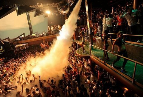 gotham city stage club marousi http://goout.gr/blog/gotham-stage-marousi-the-secret-party