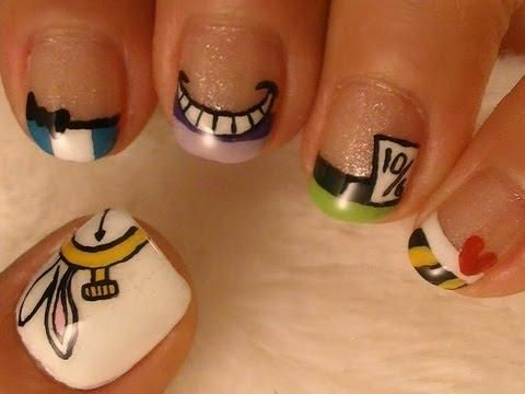 How gorgeous is this Alice in Wonderland #nailart?
