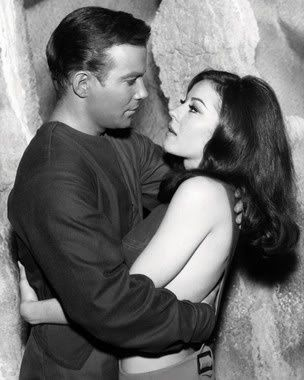 "William Shatner and Sherry Jackson, ""What Are Little Girls Made Of"" - Star Trek ;-)~❤~"