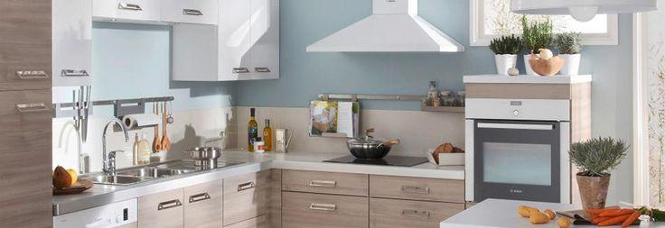 Glissez un fin tiroir sous votre four pour y loger tous ses ustensiles. Son astucieux double fond coulisse pour y entreposer les plats à gratin.   Les tiroirs intégrés dans le plan de travail de votre espace cuisson s'ouvrent d'une simple pression de la main. Ils sont spécialement conçus pour héberger tous les couteaux et autres petits outils nécessaires à tout bon cuisinier.