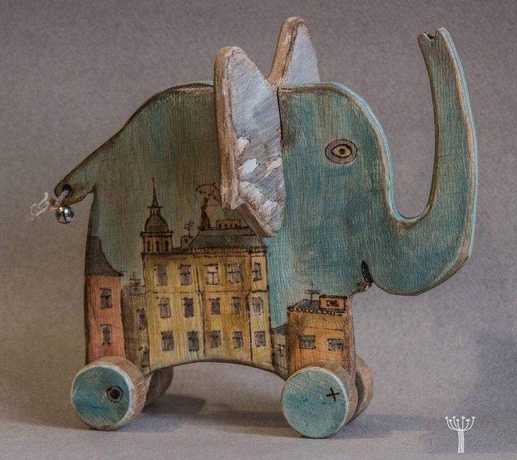 Toy on wheels by BORSCHEVIK on Etsy