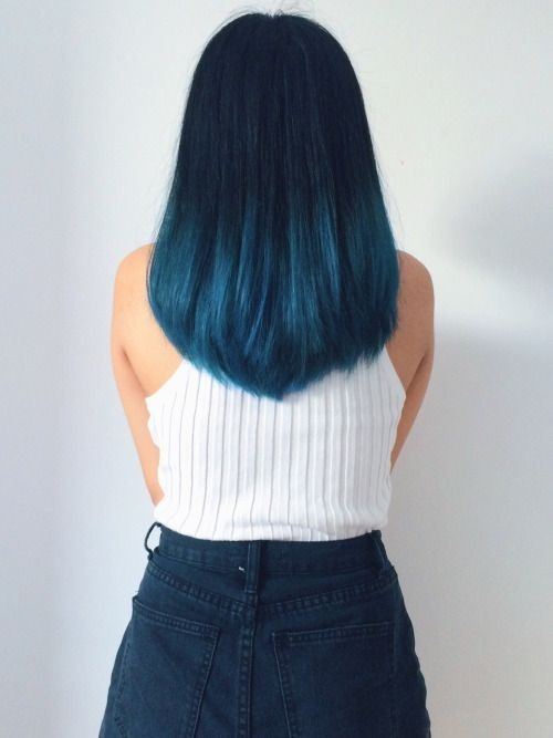 Beautiful blue ombre with Medium Straight Hair - Try a new style and color this season