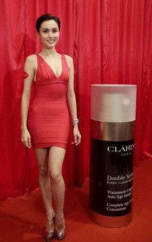 Review of Clarins Double Serum.