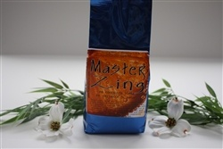 Bath Salts - MASTER ZING (750 g.)    Solar Salt with The purest essential oils of Clove, Fivefold orange, tangerine, lemon, lime, red mandarin and Patchouli.    An Energizing blend. Be prepared to dance !
