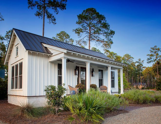 Gorgeous 40 Small Modern Farmhouse With Front Porch Https Farmhousemagz Com 40 Small Mod Small Cottage House Plans Cottage House Exterior Small Cottage Homes