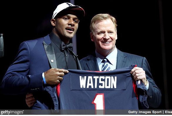 The Houston Texans select DeShaun Watson 12th overall and now they have their franchise quarterback: https://www.amazon.com/b/?node=706814011&tag=endzoneblog-20&camp=213745&creative=393301&linkCode=ur1&adid=1RYZ01A8BNS1905X96F0&