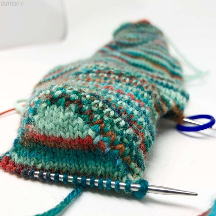 How To Knit Socks On 9-inch Circular Needles in 2020 ...