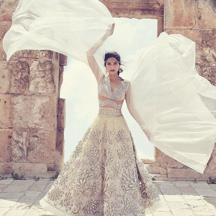 Love this #fashion shoot with #sonamkapoor for @bazaarbridein #Lehenga by @abujanisandeepkhosla #jewelry by @malayamalorama #makeup by @namratasoni #dreamwedding #desibride #indianwedding #shaadibazaar #wedding #indianwedding
