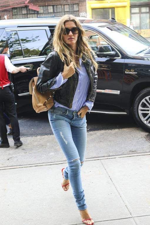 Zo draag je een gescheurde jeans op een gepaste manier naar school en werk
