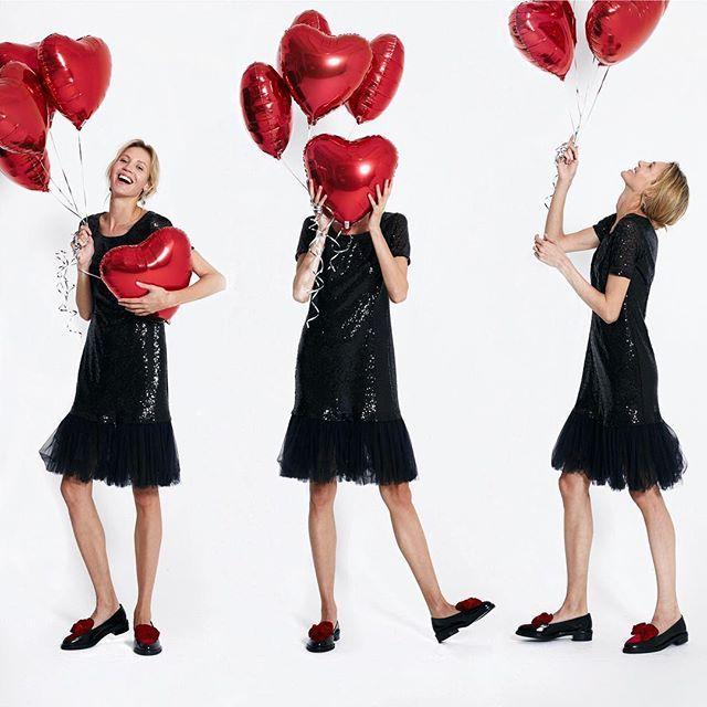 С Днём Святого Валентина, друзья❤️Любите и будьте любимы и не ищите повода дарить улыбку вашей второй половинке #шары #шарики #шарыназаказ #шарикиназаказ #шарикимосква #фольгированныешары #фольгированныефигуры #сердце #любовь #деньсвятоговалентина #пара #влюбленные #праздник #доброеутро #balloons #girl #love #lovestory #beautiful #model #monday #follow4follow #followme #follow #goodmorning