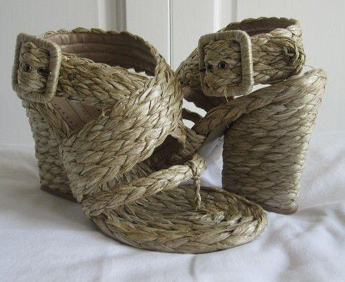 RARE Stella McCartney Natural Raffia woven cross strap thong sandal heels