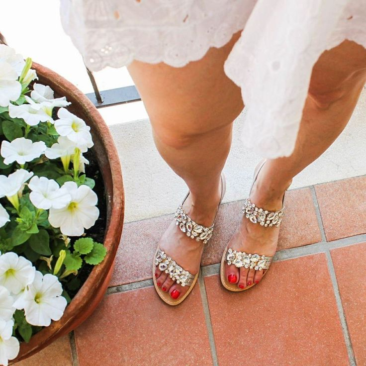 L'estate addosso ☀️, con i sandali #Gardini!  #gardinispirit #jewel #white #glamour #shoes #sandali #sandalo #loveshoes #newcollection #womanshoes #love #fashionshoes #springsummer2017 #glam #cool #fashion #moda #style #outfit #shopping #shoponline #riccishop #italy