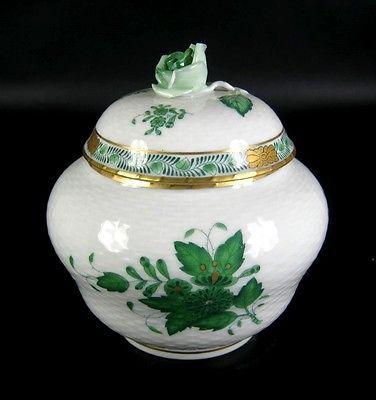 Herend-Porzellan-Dose-Dekor-Apponyi-gruen-Chinese-Bouquet-Green-Porcelain-Box