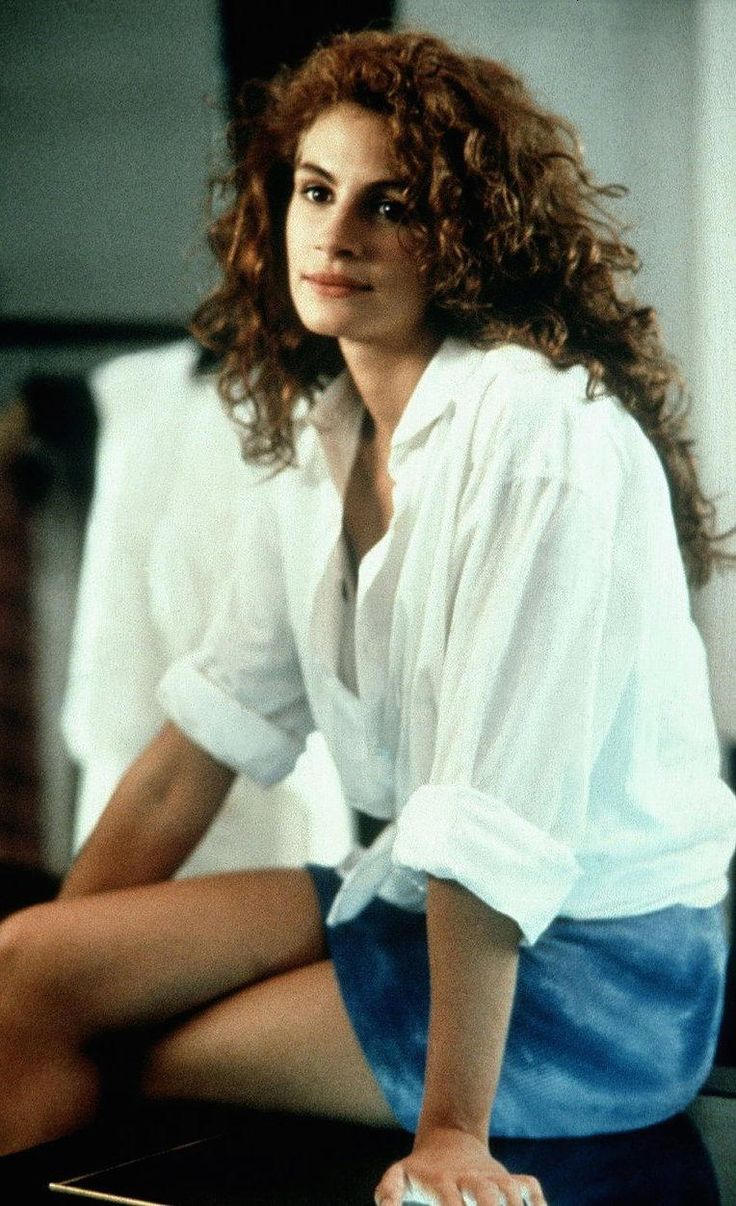 Julia Roberts in her curly hair look and a crisp white shirt!