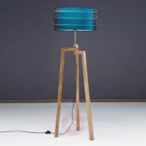 """Quite wiry"" you might say at the sight of this floor lamp. Then, when looking at the Wire Tripod, the viewer's eyes inevitably move up to the lampshade which is protectively wrapped in a black wire mesh. This, along with the three legs, creates an inventive design in the trendy vintage look, which will surely be the cause for some amazement."