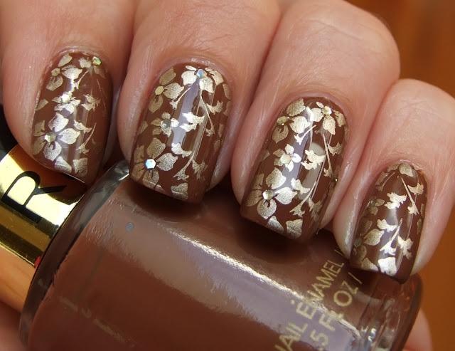 .: Nails Stamps, Nails Nails Art, Nails Design, Awesome Nails, Nailsnail Art, Nails Polish, Flowers Nails, Gold Flowers, Brown Tans Beige Nails