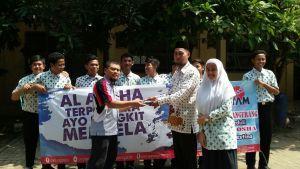 Fahmil Syahril Quran MAN 2 Tangerang lakukan Aksi Solidaritas Save Al Aqsha  Syamorganizer.comTangerang  Tepat Sebulan yang lalu Kiblat Pertama ummat Islam ditutup dari segala bentuk peribadatan oleh Zionis Israel.  Aksi-aksi solidaritas bermunculan dari berbagai daerah di Indonesia tak terkecuali Murid-murid dari Fahmil Syahril Quran (FQS) Man 2 Tanggerang pada Selasa (1/8/2017)  Siswa Siswi Man 2 Tanggerang ini begitu antusias dan bersemangat menggalang donasi untuk saudaranya di…
