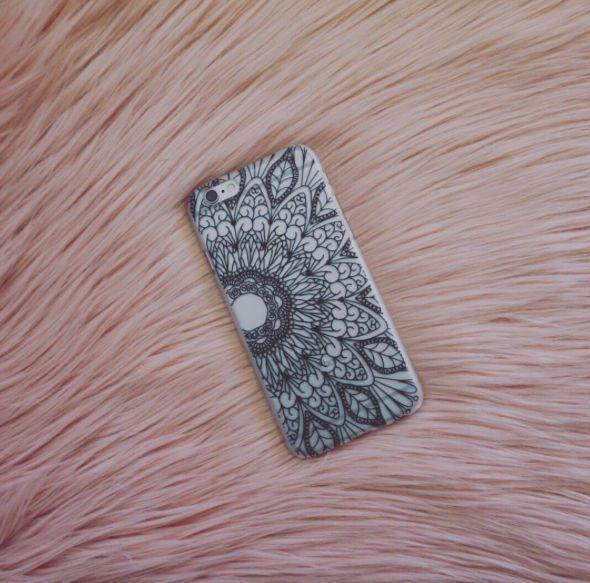 Black Flower Henna Hard PC Mobile Phone Case