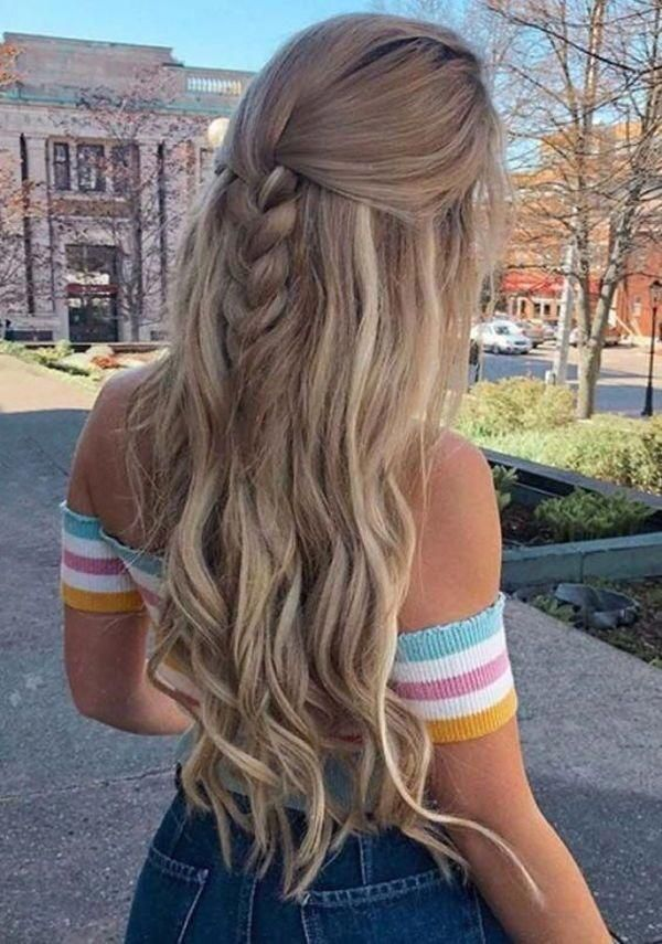 Take a break and be the most attractive lady in the evening. If you are not getting any idea of what should you do to get the perfect hairdo for your hair, you should have a look at the fishtail braids hairstyles we are providing you. Check out! #braidshairstyles #braidshairstylesforlonghair #braidshairstylesforwedding