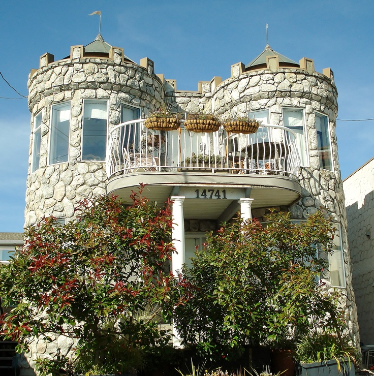 White rock castle house british columbia canada by jean for Castle rock house