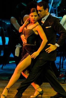 THEATER AND DANCE ESSENTIALS > WINTER 2013   LATINOEVENTS