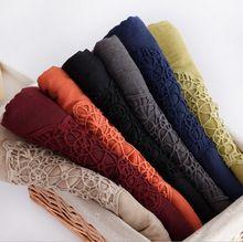 Sıcak satış tasarım Moda düz pamuk eşarp başörtüsü hollow nakış plaj çiçek müslüman yaz wrap atkılar/şallar 10 adet/grup(China (Mainland))