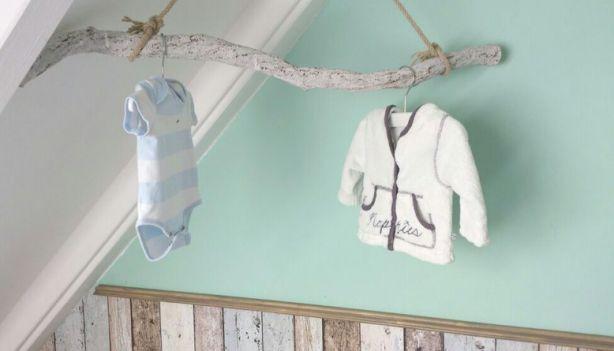 onze babykamer met echt hout & Stijgerhout behang!