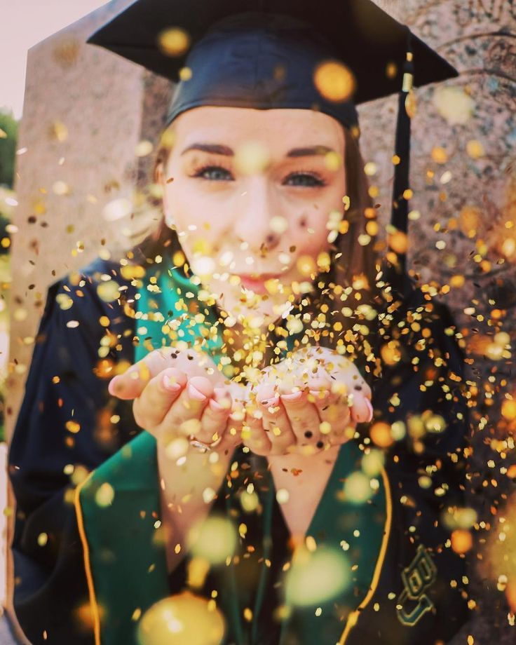 Cute Baylor graduation photo idea!!