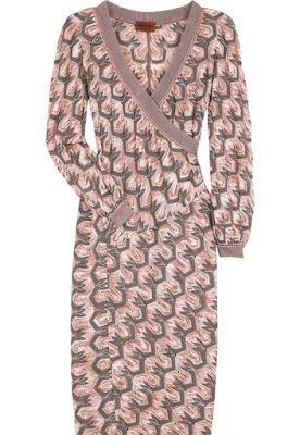 https://www.bloglovin.com/blogs/ivelise-feito-a-mao-4639637/saia-e-vestido-em-belo-ponto-de-croche-4410559268
