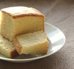 Madeira cake, is an English sponge or pound cake. It is supposed to be light and fluffy, as well as juicy and moist. With a slight hint of lemon