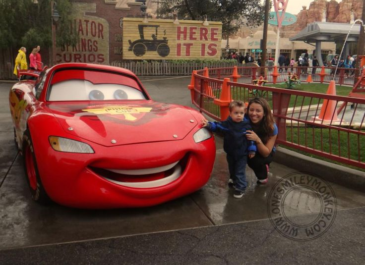 Tips for Taking your Toddler to Disneyland (List of Toddler Friendly Rides)