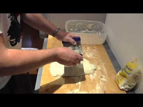PIZZA In TEGLIA NO-KNEAD, Alta Idratazione - Prima Parte - YouTube
