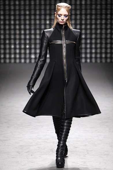 31 Best Futuristic Fashion Images On Pinterest