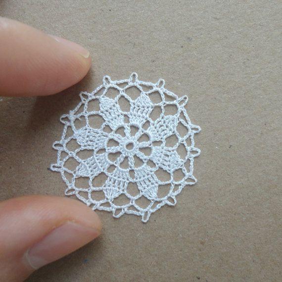 Miniature crochet round doily by MiniGio