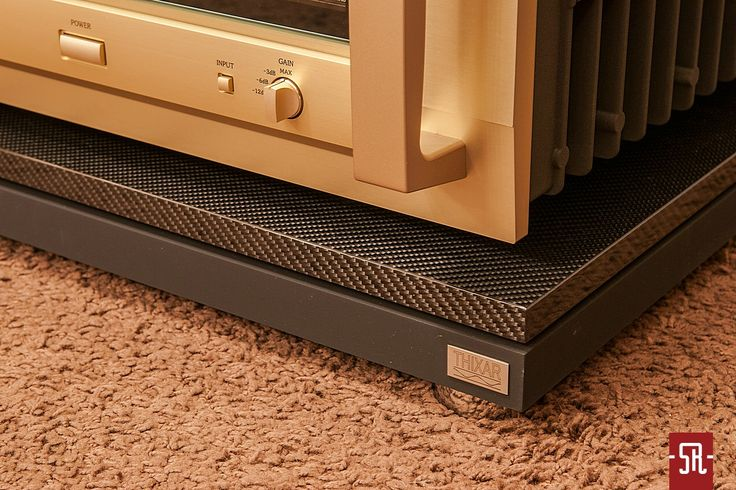 Accuphase + Thixar Slence Plus Platforms. Sounds great, Looks great!