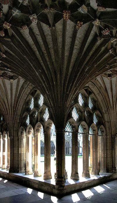 Details, details...Canterbury Cathedral, Canterbury, Kent, UK, photo by Gabó via Flickr.