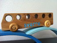 schilder een naam op houten speelgoed (+werkbeschrijving)