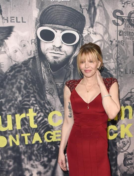Courtney Love slammed the lack of women on alternative rock radio and bemoaned the difficulties many rock bands face now.