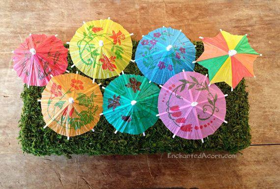 3 Miniature Umbrellas – Fairy Garden Accessories Scrapbook Floral Terrarium Supplies Cocktail Party Favor Dollhouse Mini Beach Diorama Cake – Fairies gardening