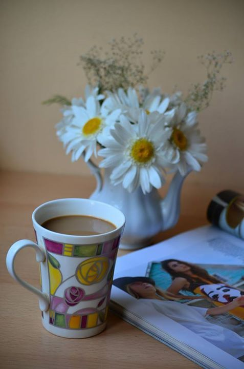 coffee, mornings, flowers, magazine http://chocolatefashioncoffee.blogspot.ro/