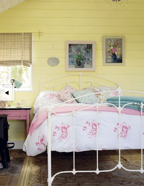 """great color combo very """"in"""" yet it does work in old home. pink yellow turquoise"""