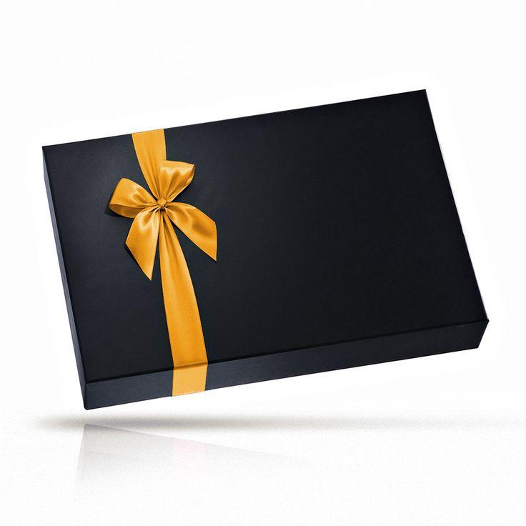 """Deze luxe geschenkmand is een gesofisticeerde versie van het motto van Veuve Clicquot: """"Alleen het beste is goed genoeg"""". Dit VIP-geschenk is in termen van stijl en smaak perfect voor uw belangrijkste klanten, bruiloften, verjaardagen en als een onvergetelijk Kerstcadeau voor Europa."""