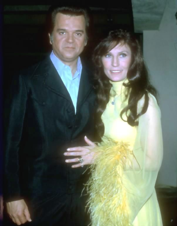 Conway Twitty & Loretta Lynn...old school, AM radio country music