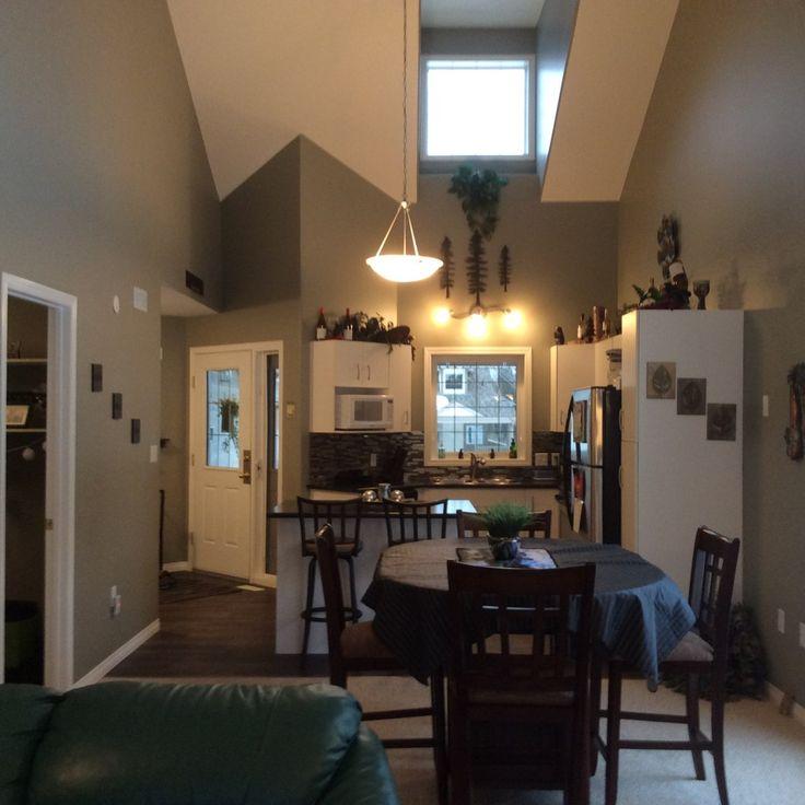 We have a New Listing at the Elk Ridge Resort near Waskesiu! https://saskhouses.com/listings/67-eagle-view-villas-elk-ridge-resort/ #elkridge #waskesiu #condo #townhouse